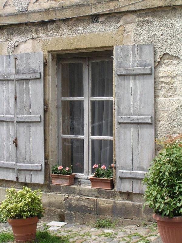 Vézélay, a window