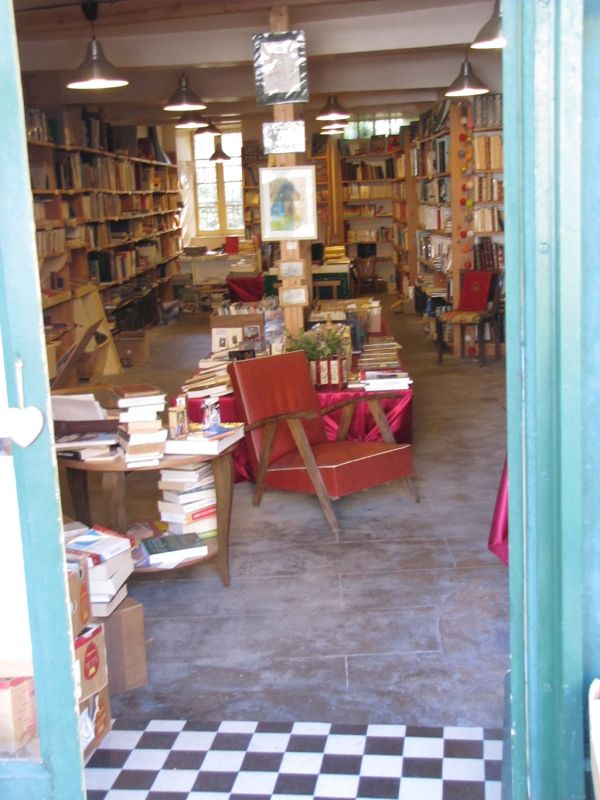 Bookstore in Montolieu - Montolieu, the Village of Books
