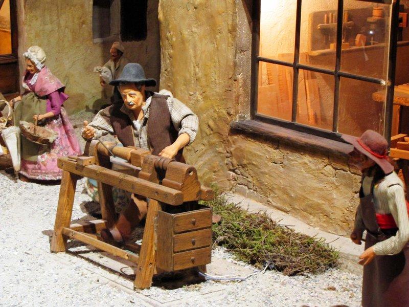 Moving Santon Exhibit at La Petite Provence du Paradou