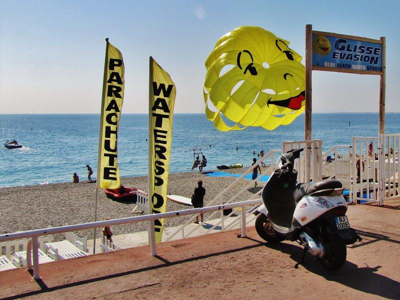 Kitesurfing at Blue Beach in Nice