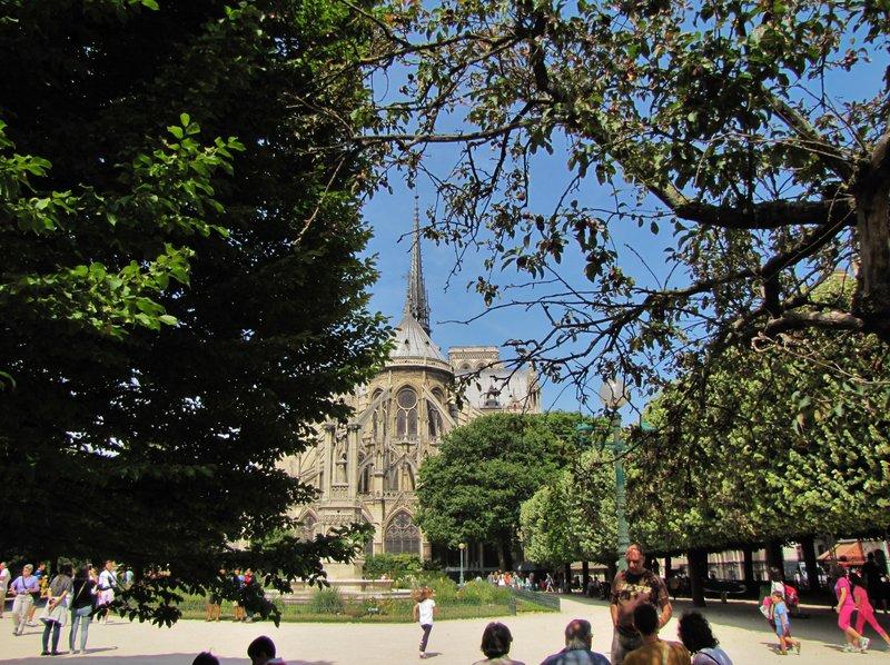 Notre Dame de Paris from Square Jean XXIII