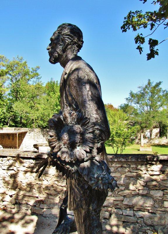 Van Gogh statue, Jardin de l'Hospice St. Paul