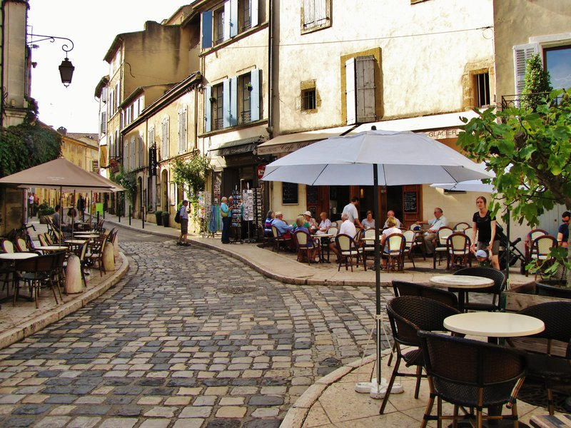 Lourmarin street scene