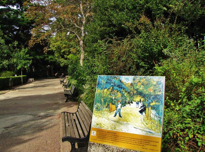 Van Gogh Easel in the Jardin d'Ete