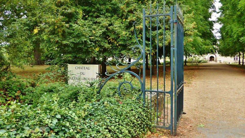 Château du Plessis-Bourré entrance