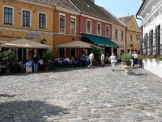 large_2448127-Town_centre_Szentendre.jpg
