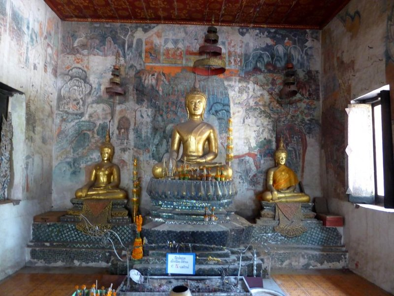mural paintings: the buddha in charge
