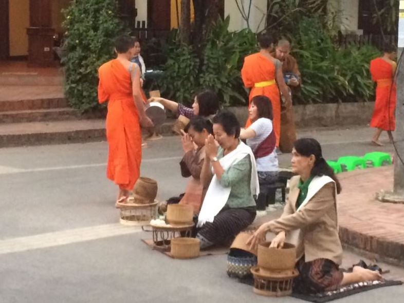 the corner with the locals: on the knees, on their own carpet, respectful