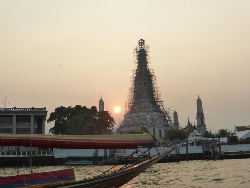 wat Arun, under renovation