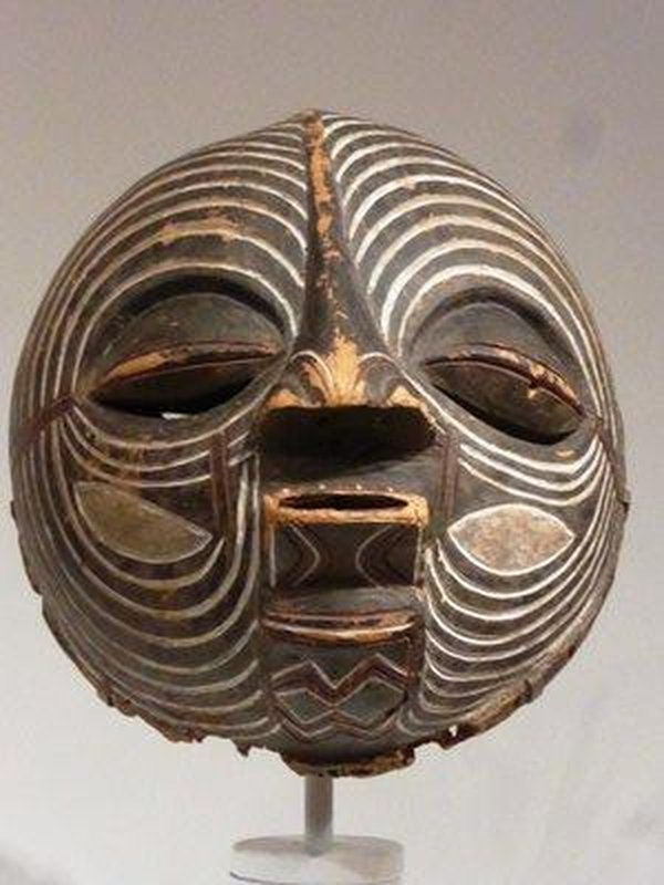 THE Luba Kifwebe mask at SAM