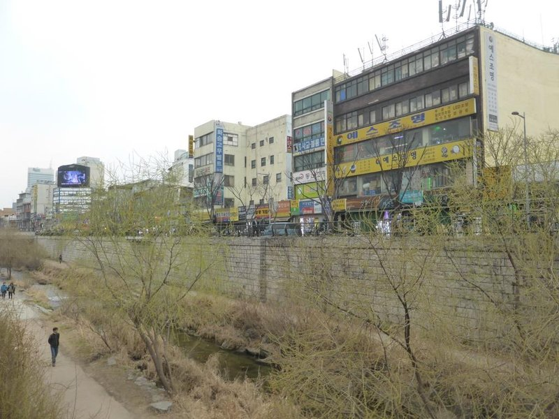 Cheonggyecheon in the old industrial district