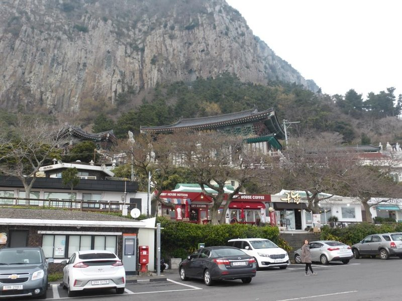 restaurants surrounding a temple