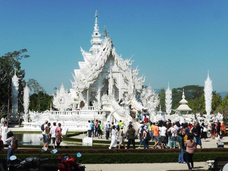 the white temple, entrance