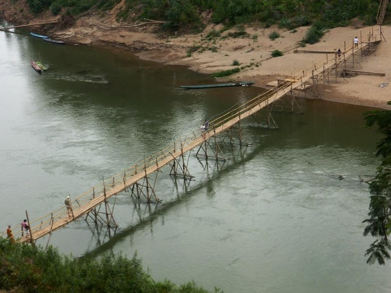 the bamboo bridge has to be removed at the end of the dry season