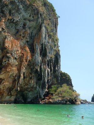 Phranang beach és a barlang melleti rész