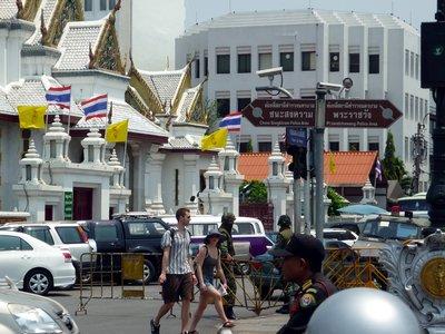 Bangkoki fúzió: helló turiszt, vietkongok és templom