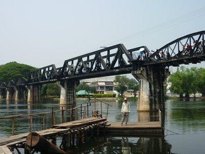 Csaba és a híd a Kwai folyónál