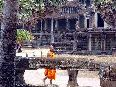 egy monk Angkorba