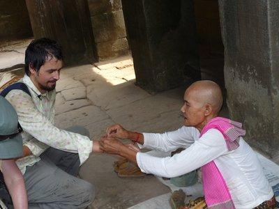 boldogság-adás Angkorban