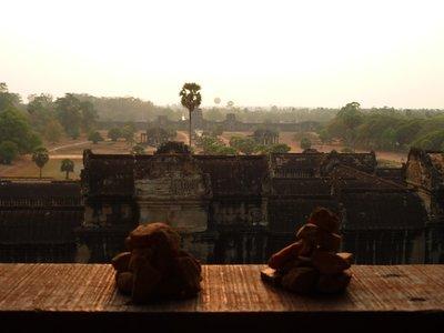 a mi két kis tornyunk és Angkor madártávlatból