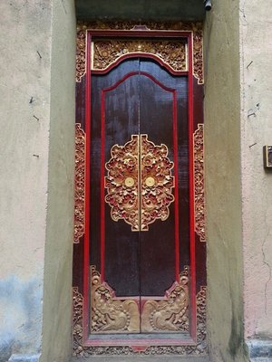 Doors at Ubud palace