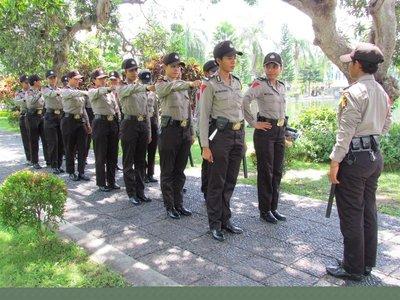 Balinese police women