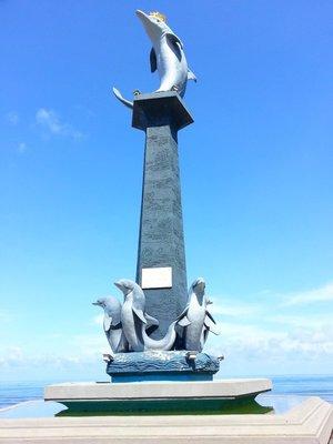 Dolphin statue at Lovina