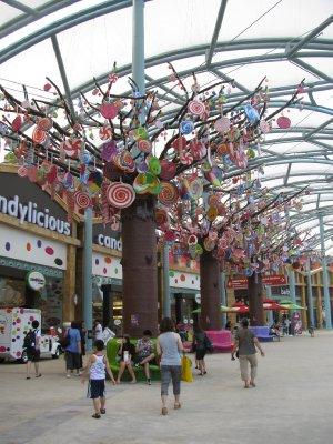 Lolli trees