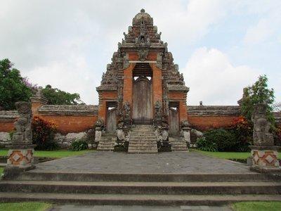 Gate inside Pura Taman Ayun