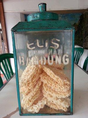 Indonesia cracker