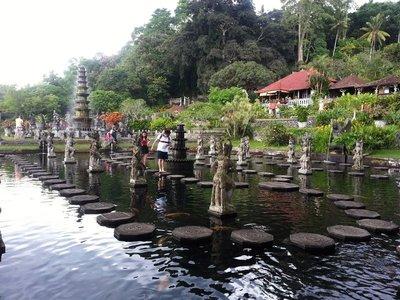 Tirta_Gangga_water_garden.jpg