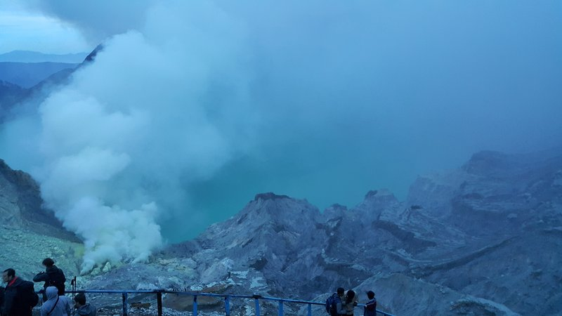 Dawn at Ijen crater