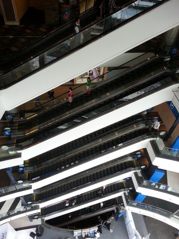 Floors of escalators