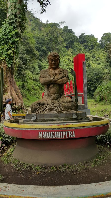 Statue to Gajah Mada