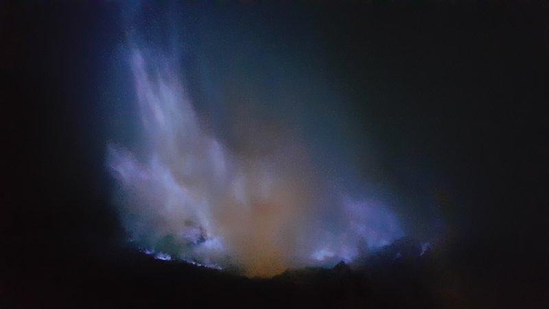 Blue sulphur fire