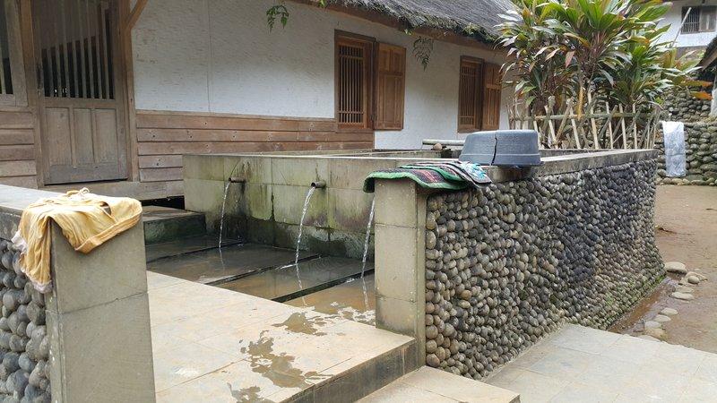 Washing area