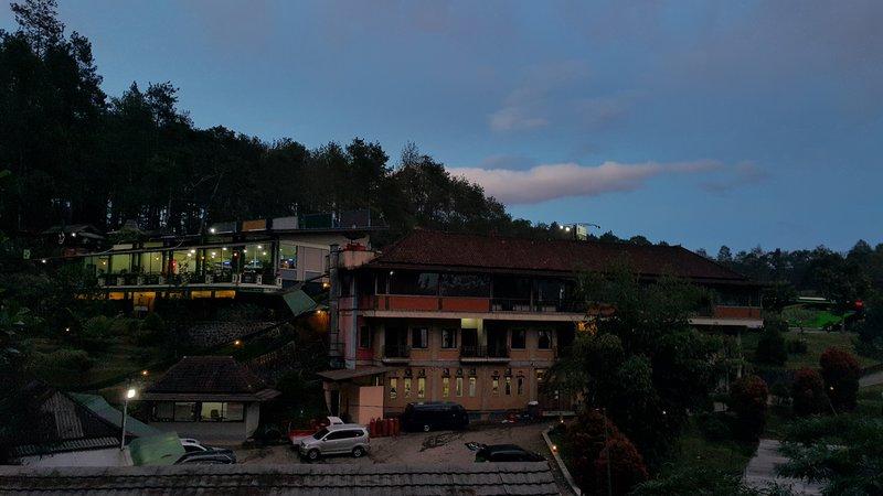 Grafika Cikole in the evening