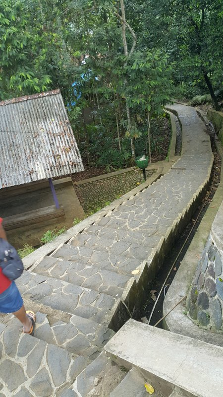 439 steps to Kampong Naga