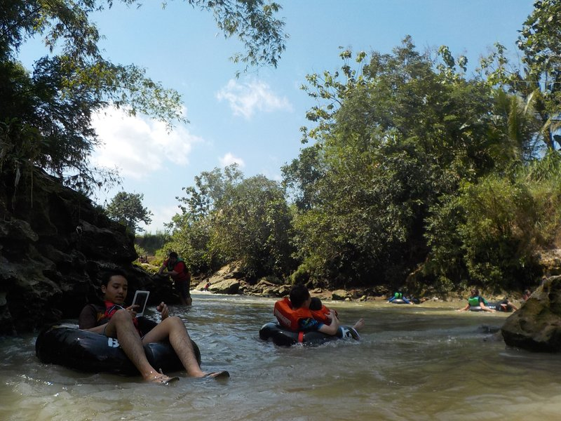 Floating downstream