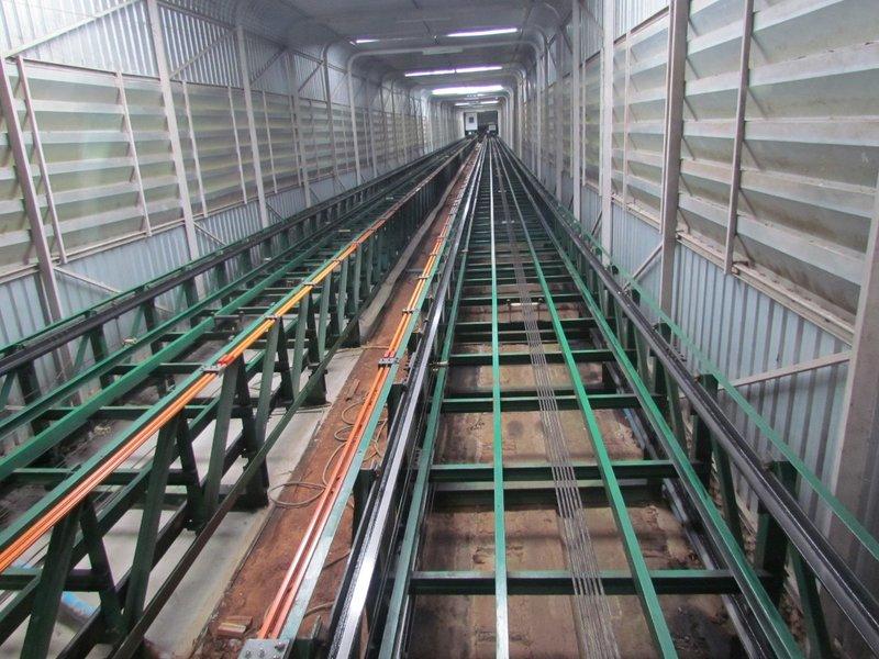 Tram car cables