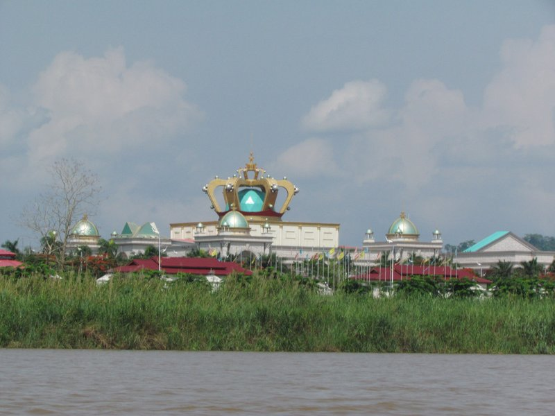 """Laos Vegas"" casino in Laos side"
