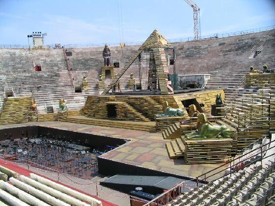 """""""Aida"""" is coming very soon, July 2004 - Verona"""