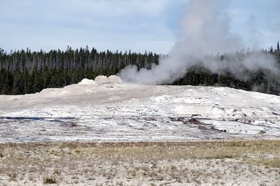 Old Faithful, Yellowstone, Wyoming, US 2015 - Yellowstone National Park