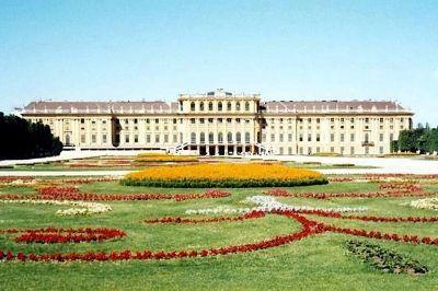 Schonbrunn Palace, Vienna, Austria 2000 - Schönbrunn