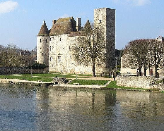 Chateau, Nemours, France 2016 - Nemours