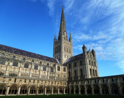 Cathedral 1: the magnificent building. - Norwich