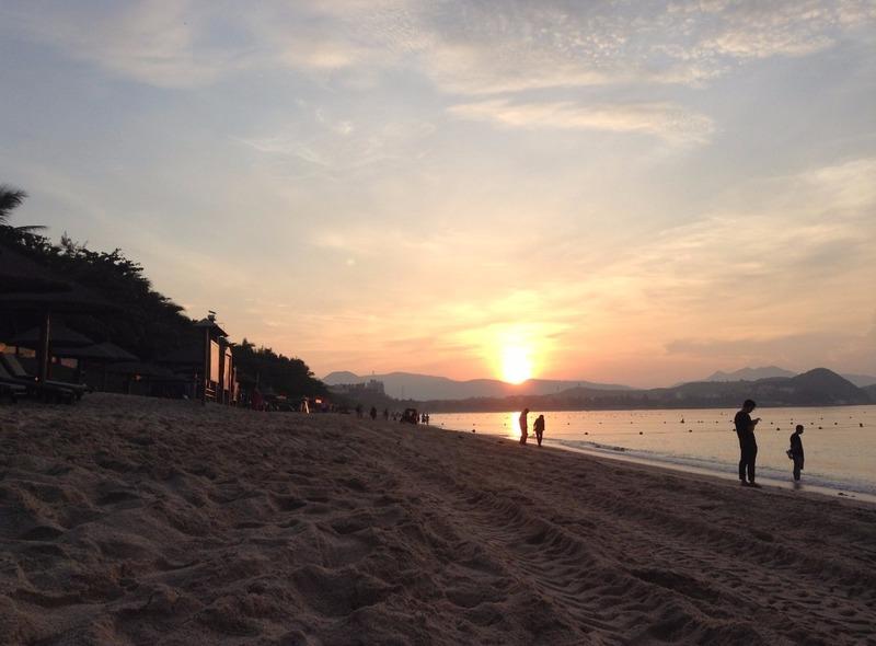 Sunrise at Dadonghai beach
