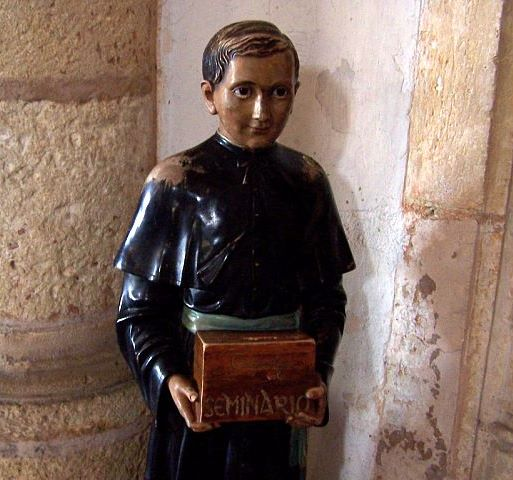 Statue in Cathedral of Isabel the Catholic