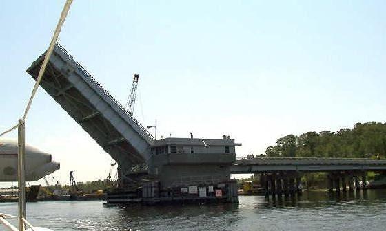 652431-Steel_Bridge_Norfolk.jpg
