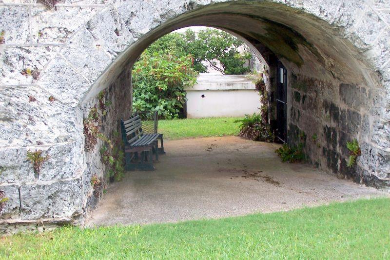 Arch in the fort - Hamilton